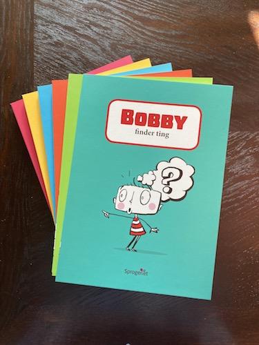 Anmeldelse af BOBBY-boegerne